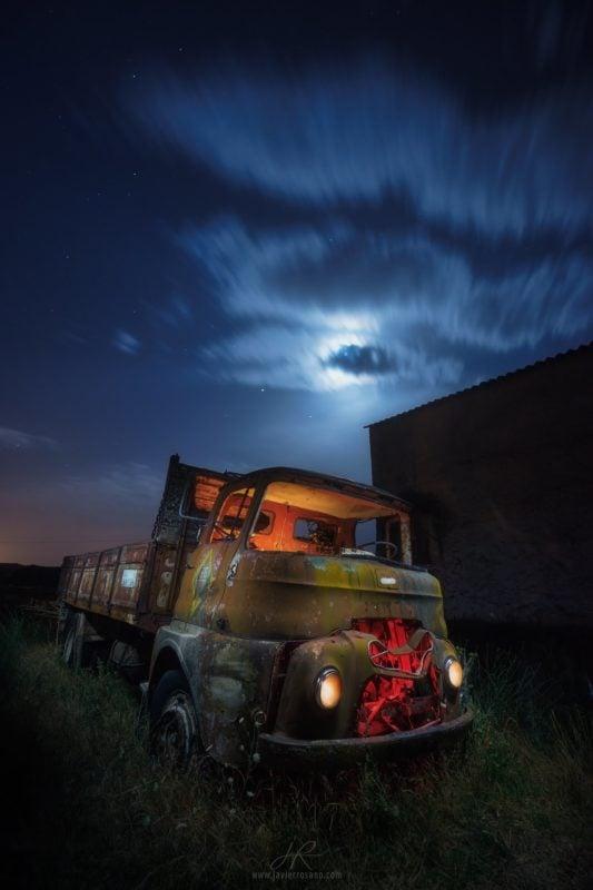 Ultimo reparto. Fotografía nocturna de vehiculos