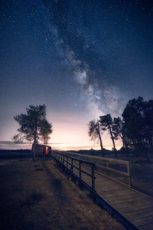 El observatorio de estrellas. Fotografía nocturna de paisaje